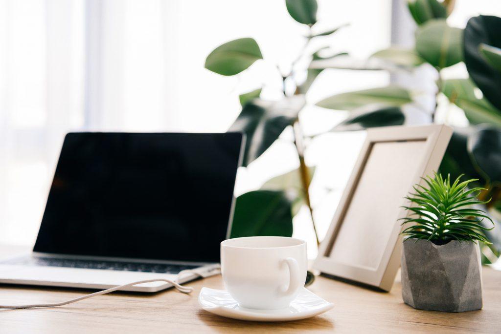 Environmental copywriter - sustainable desk